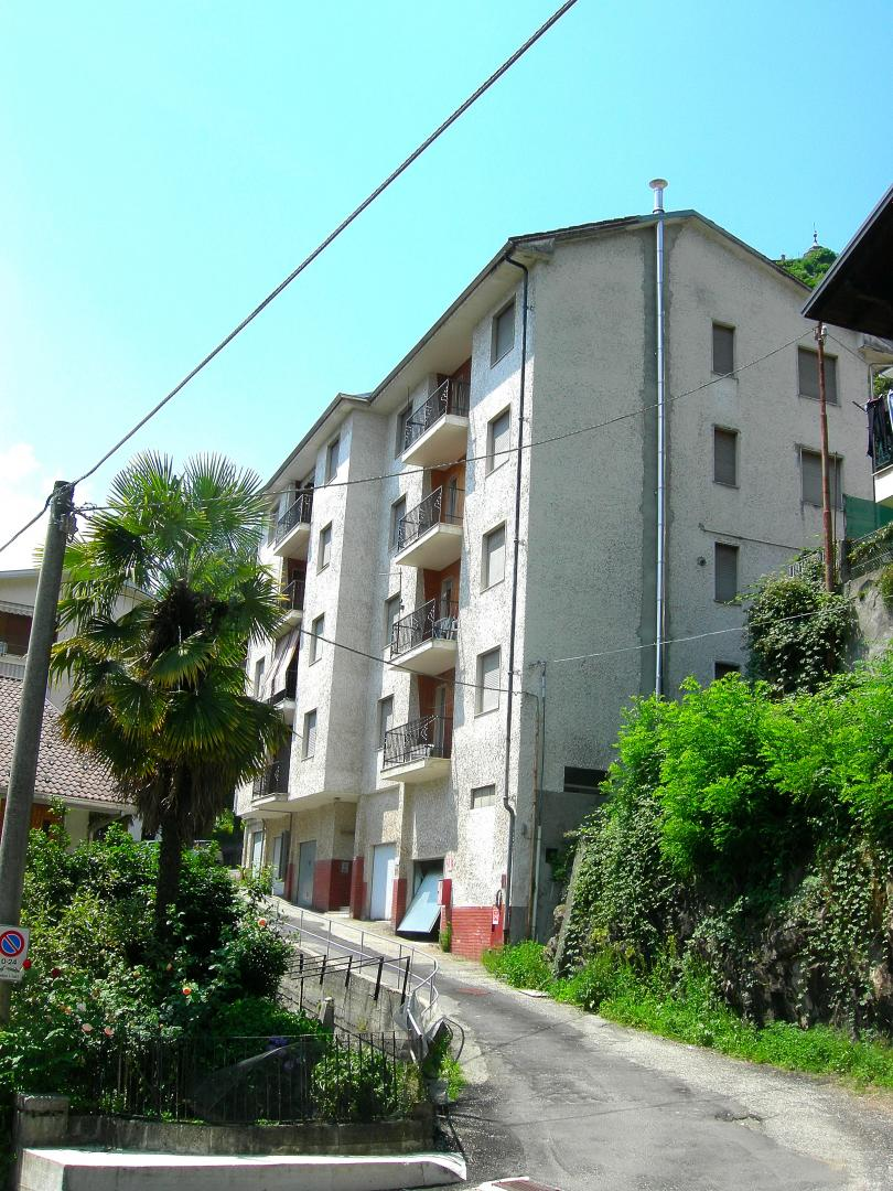 Appartamento con box a Varallo