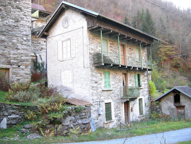 Casa a Cravagliana
