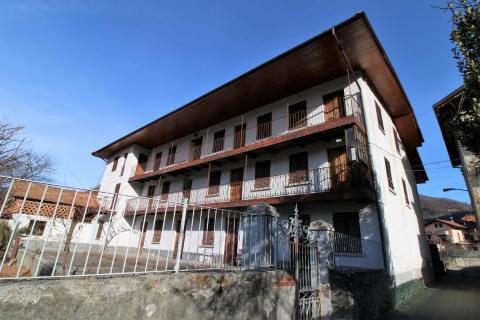 Appartamenti in casa indipendente